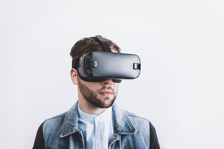 Spending on VR & AR expected to reach globally $18.8 billion next year